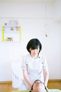 摂食障害を乗り越えた3児の母が選んだ副業は「週末自宅サロン」