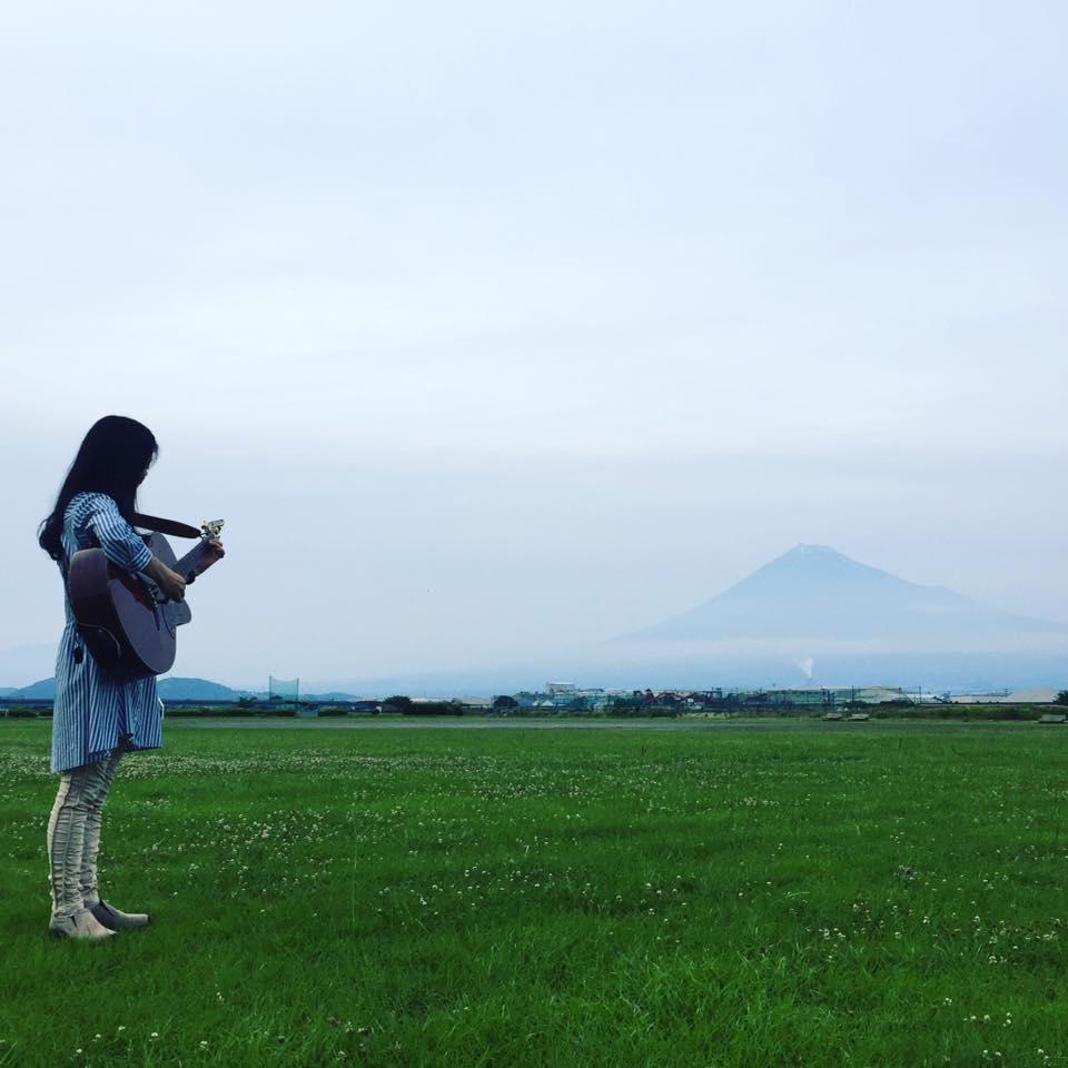 富士山の麓で育ったフツーの女の子が「複業女子」になるまで【畑とミシン編】